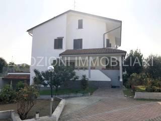 Photo - Terraced house via Guzzina, Cologno Monzese