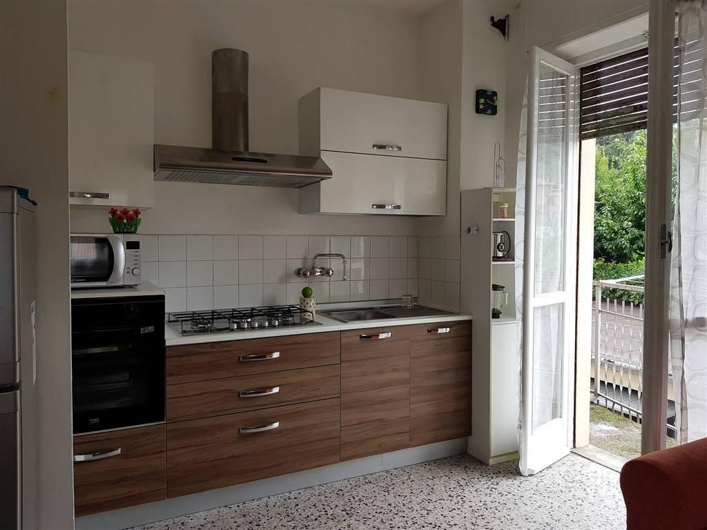 foto cucina Trilocale via xx settembre, Tollegno