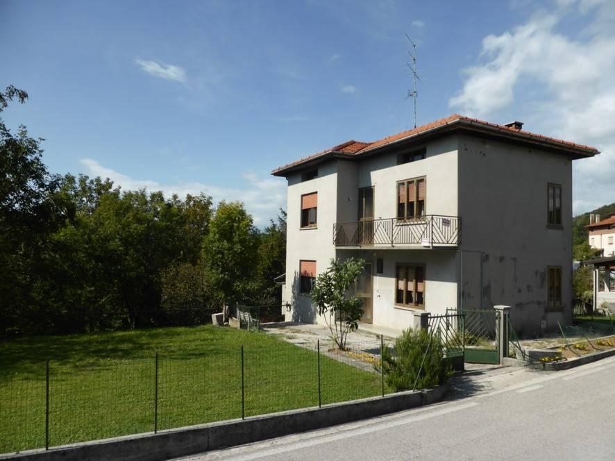 foto Facciata Villa unifamiliare Località Costa 58, Castelnovo del Friuli