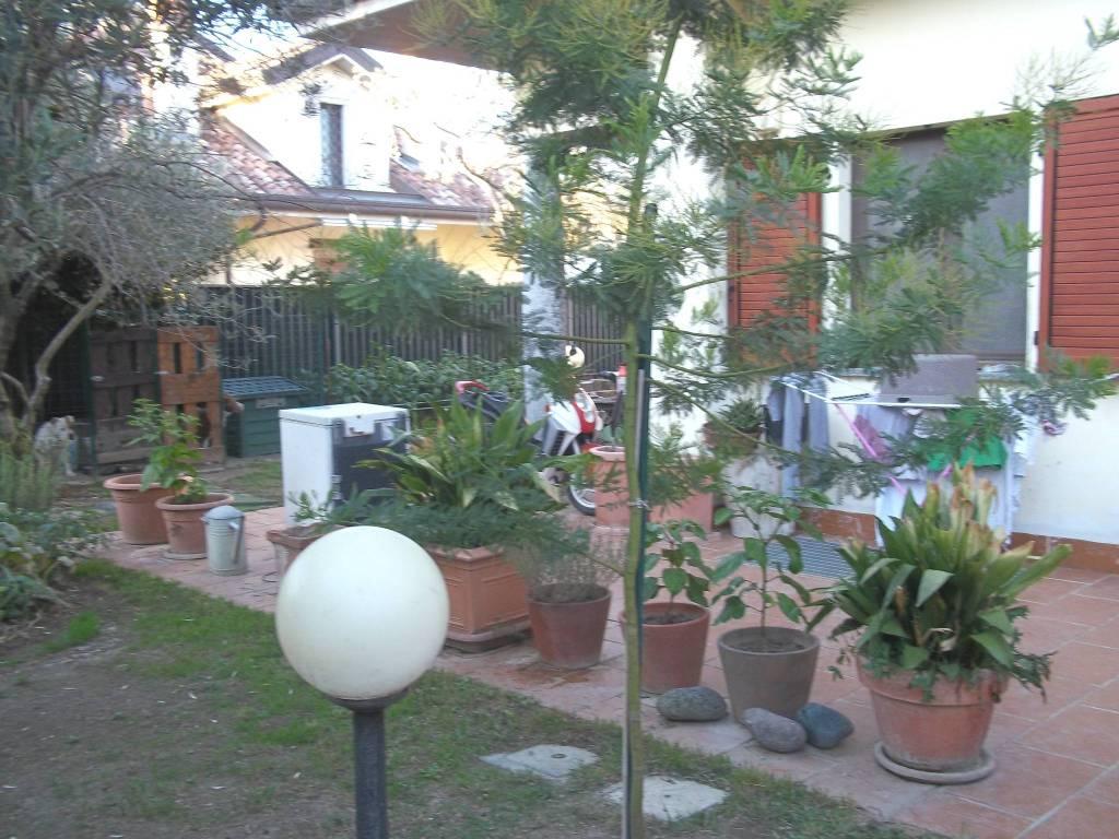 foto giardino Terraced house via Lazio, Pregnana Milanese
