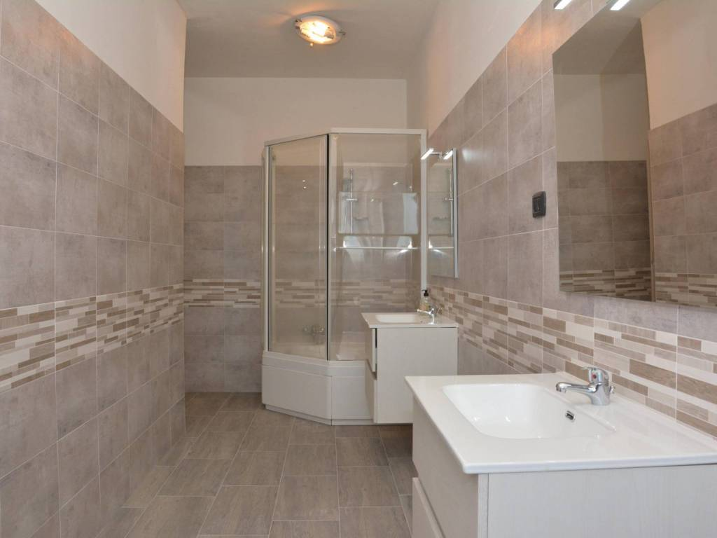 foto BAGNO 4-room flat via Oglianico 9, Rivarolo Canavese