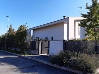 Photo - Single family villa via Tiziano 40, Mariano Comense