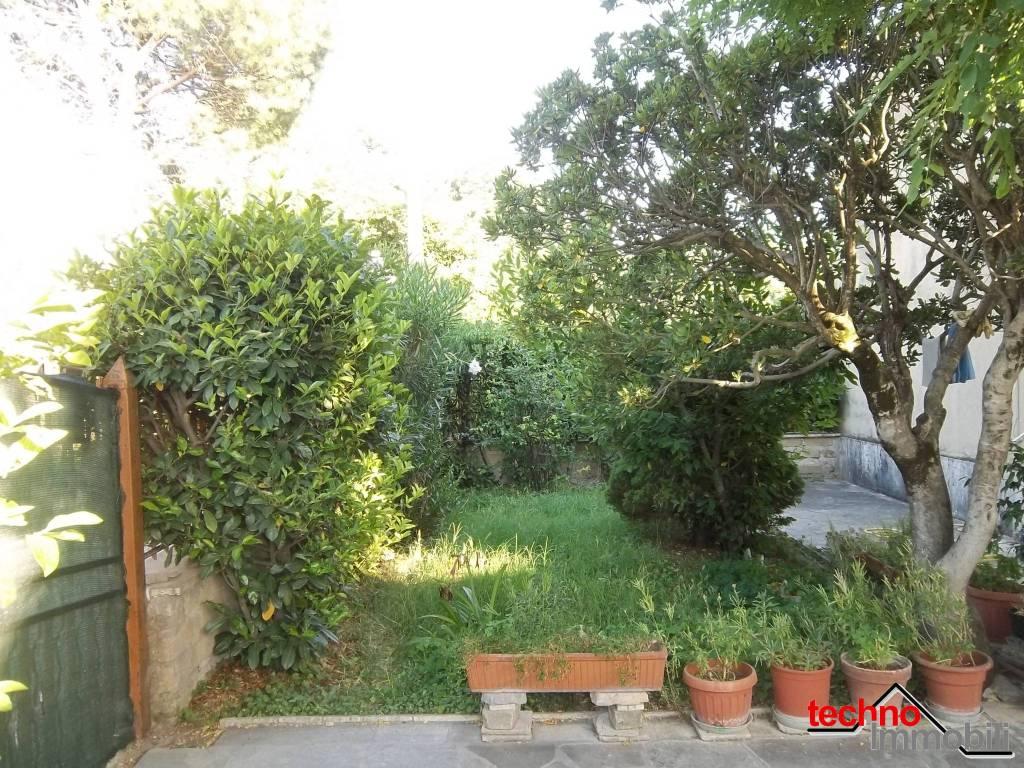 foto  Single-family townhouse via San Salvatore, Tivoli