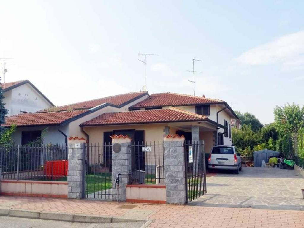 foto 1.JPG Single family villa via Don Minzoni, 30, Noviglio