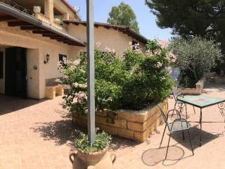 Photo - Single family villa via Santa Rosalia, Aragona