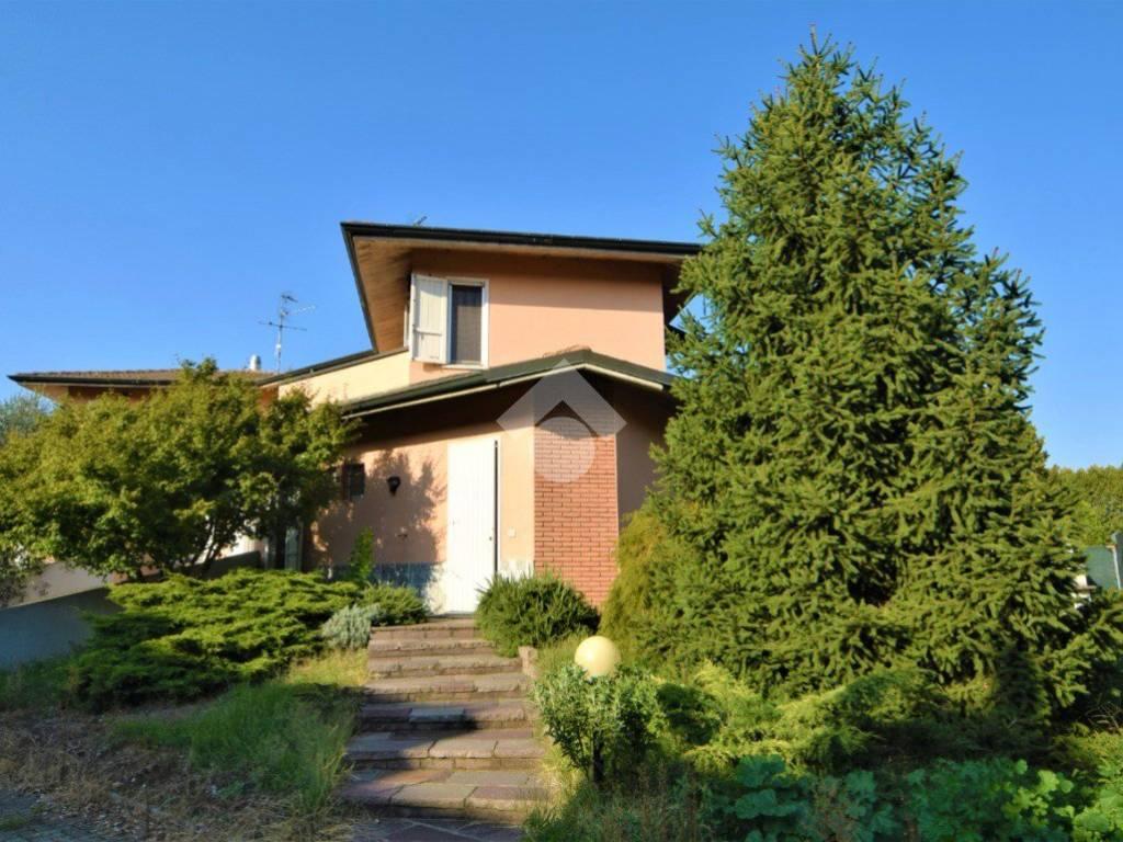 foto ESTERNO Two-family villa via Scanzi Suor Caterina, Robecco sul Naviglio