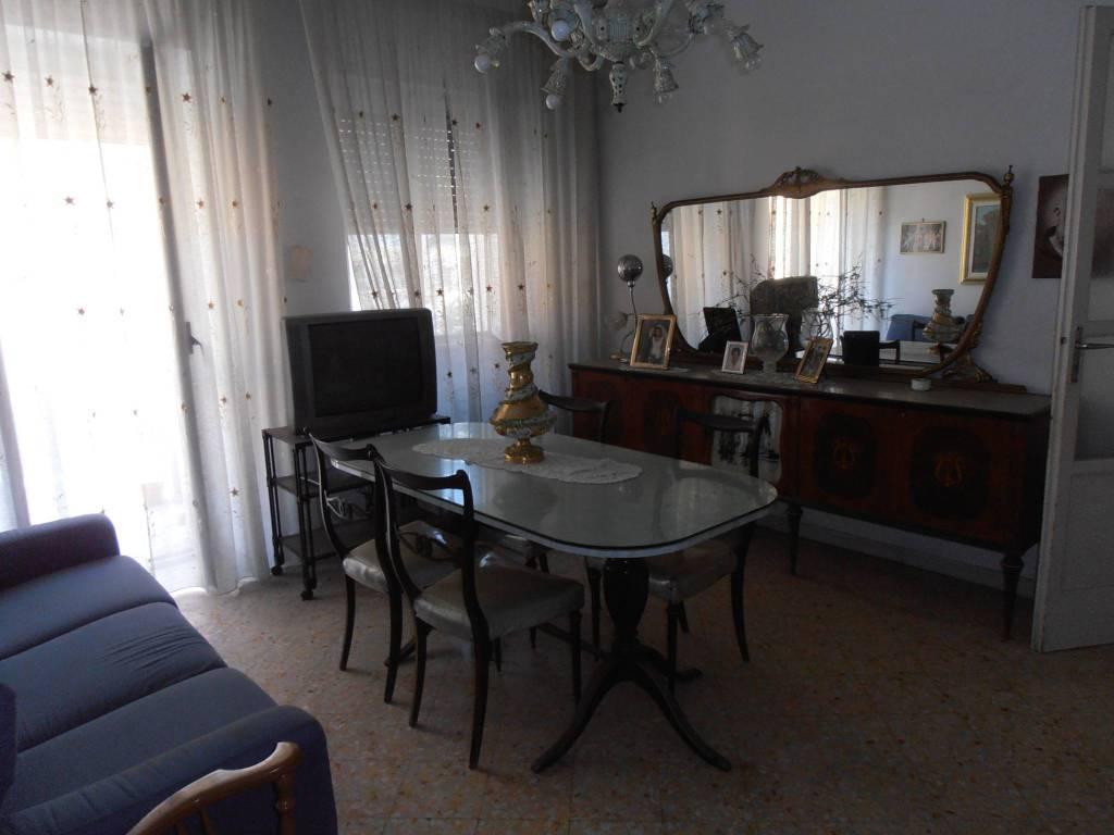 Verkauf Wohnung Barletta. Vierzimmerwohnung in via ...