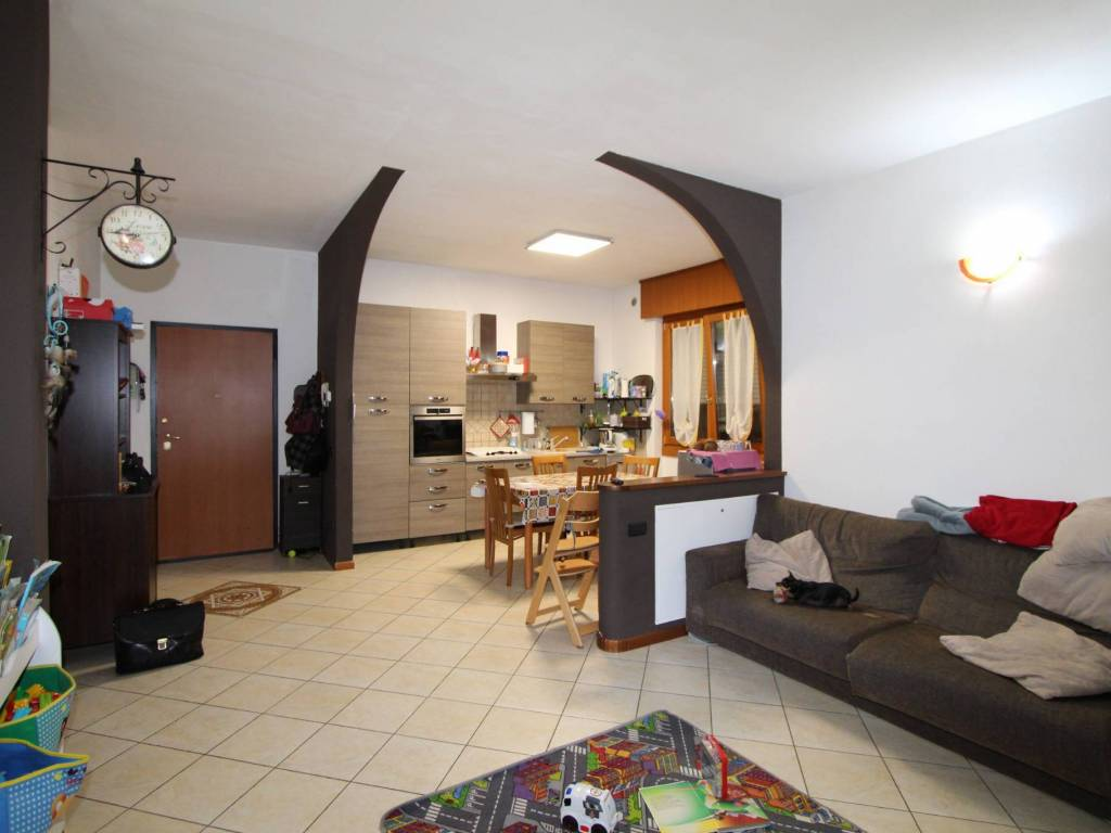 foto CALCINATE 3-room flat via Belvedere, Bolgare