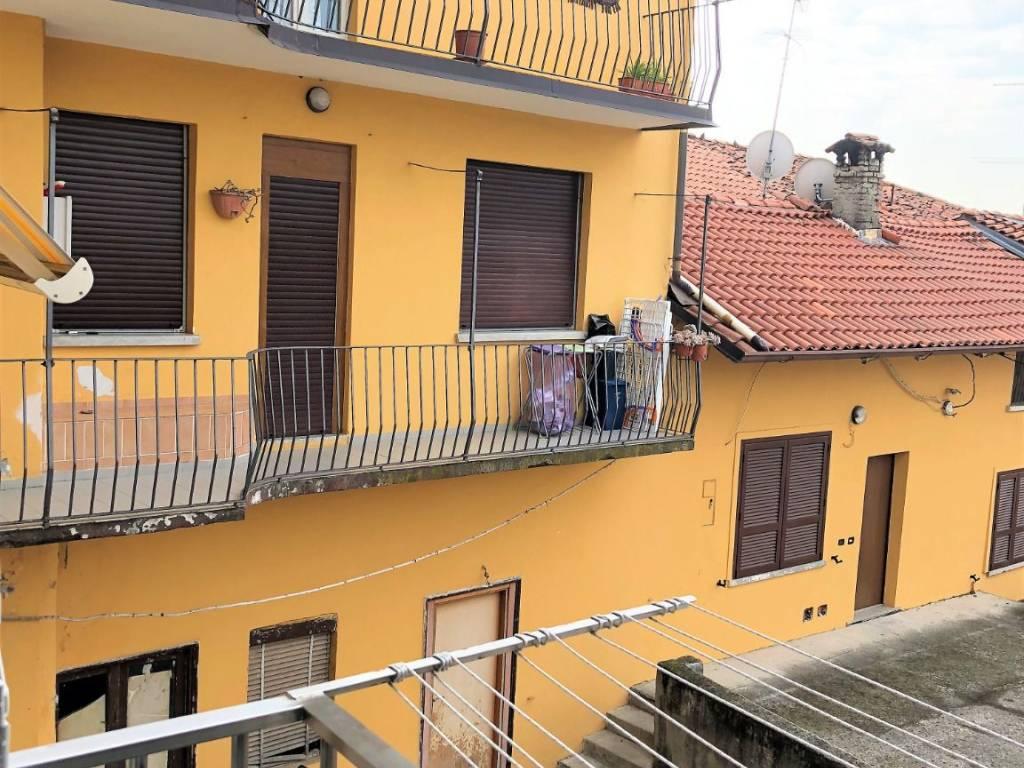 foto  Trilocale buono stato, primo piano, Cantù