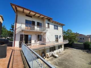 Photo - Detached house 390 sq.m., good condition, Tavoleto