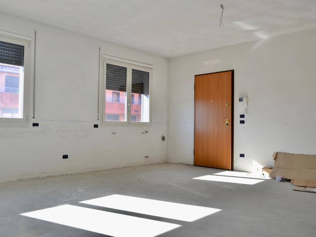 foto  Quadrilocale nuovo, primo piano, Villa d'Adda