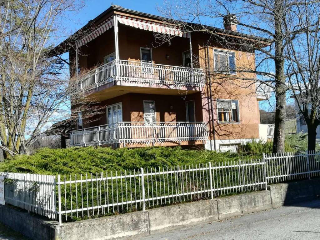foto 1 Single-family townhouse via Cuneo, 131, Mondovì