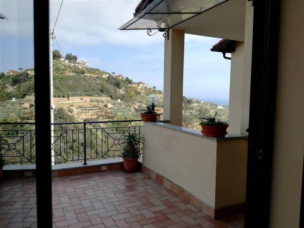 foto  Single family villa 200 sq.m., Bordighera
