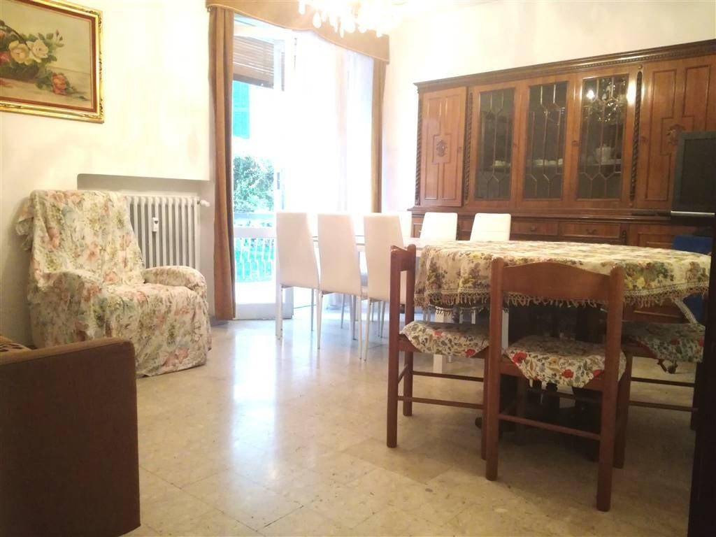 foto soggiorno Apartment good condition, first floor, Bordighera
