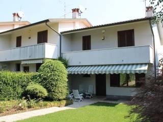 Foto - Villa a schiera via Luciano Manara 42, Casnate con Bernate
