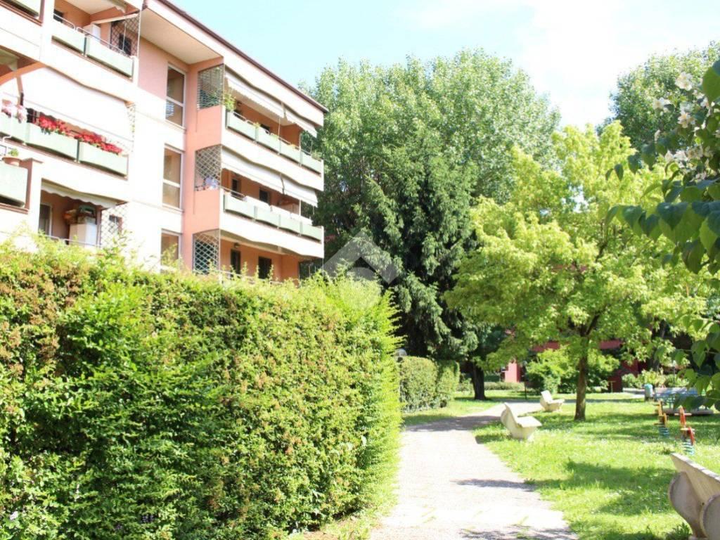 foto ESTERNO 3-room flat via Monzoro 38, Cornaredo