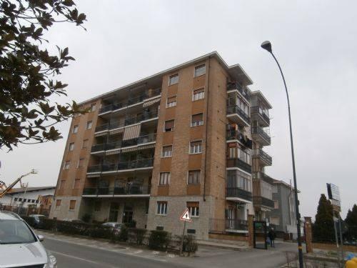 foto  2-room flat via Torino 115, Leinì