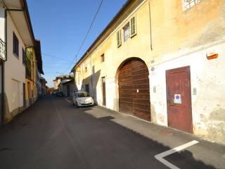 Photo - Farmhouse, to be refurbished, 300 sq.m., Vigone