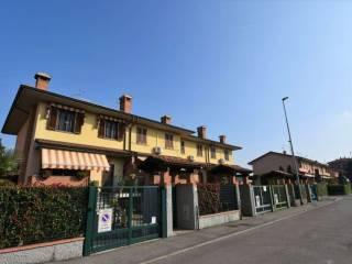 Photo - Terraced house via Moravia 06, San Zenone al Lambro