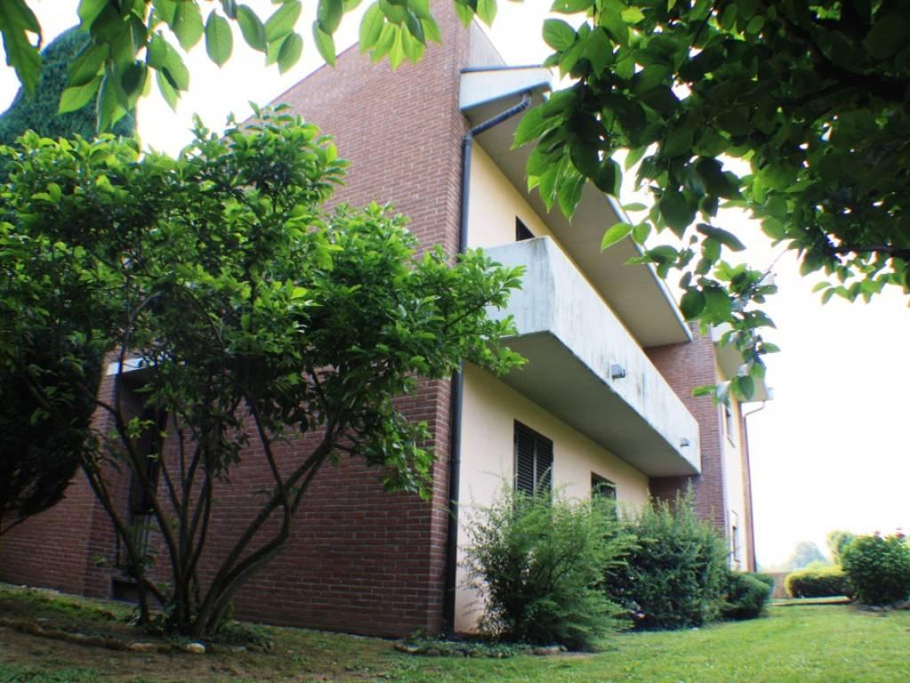 foto  Penthouse via Santo Quirico 9, Solbiate con Cagno