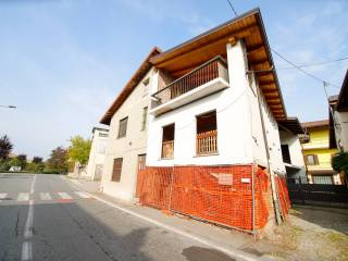 Photo - Farmhouse via Giovanni Servais 20, Favria