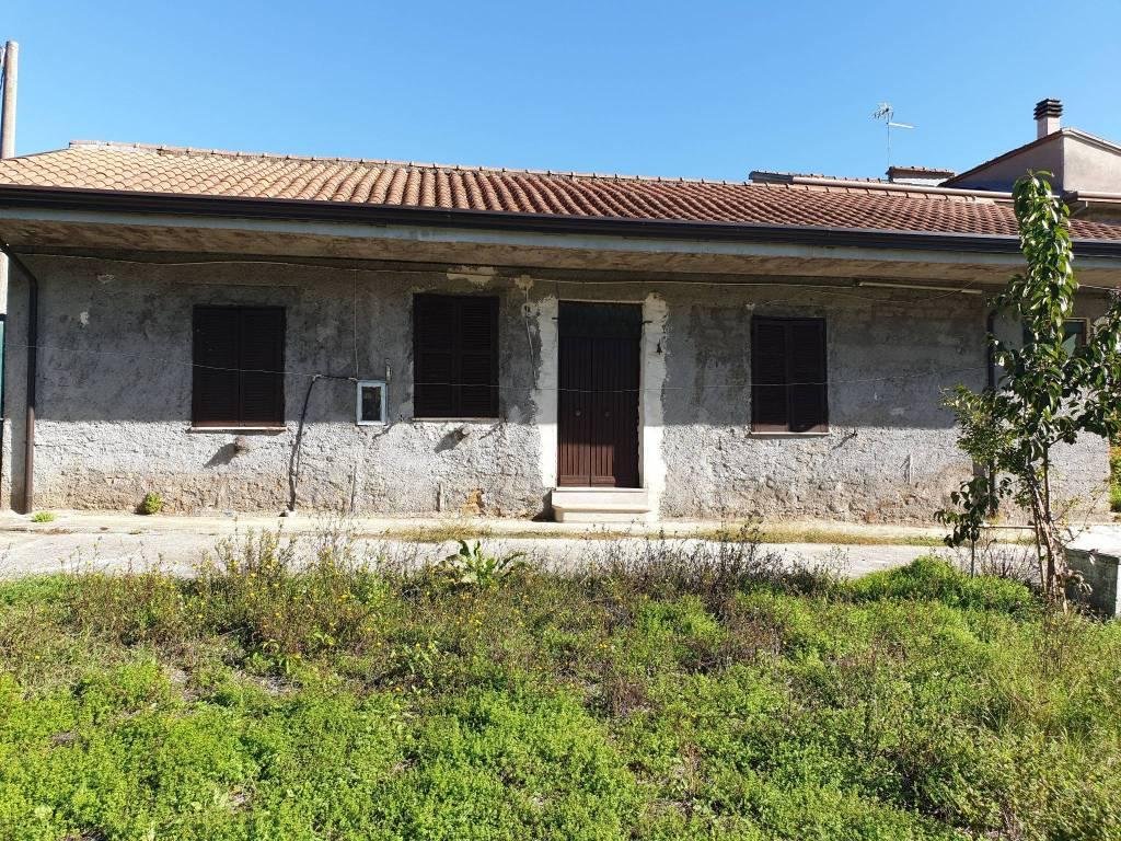 foto facciata Single family villa via Badia, Ceccano
