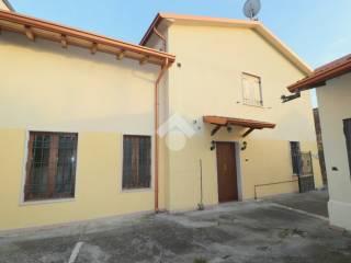 Photo - Multi-family townhouse vicolo otelli, Volta Mantovana