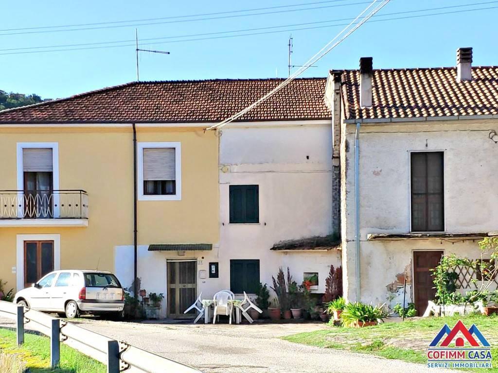foto facciata Detached house via Quaglieri Vecchio, Isola del Liri
