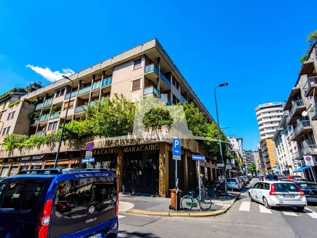 taglia 7 materiale selezionato ottima vestibilità Vendita Appartamento Milano. Trilocale in via Alfredo ...