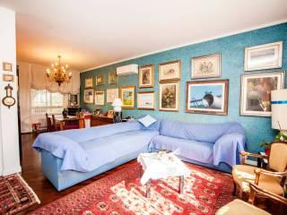 Foto - Villa a schiera 5 locali, buono stato, Casal Palocco, Roma