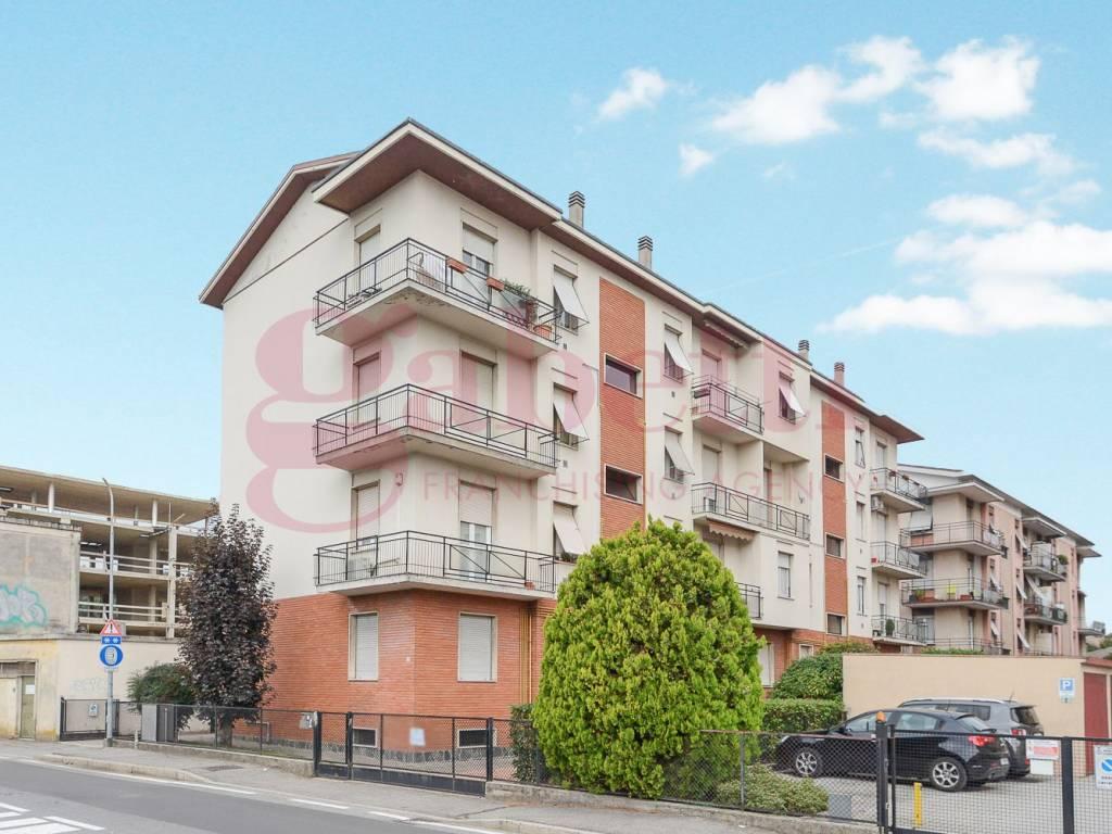foto esterno Трехкомнатная квартира via Cardinal Ferrari, Mariano Comense