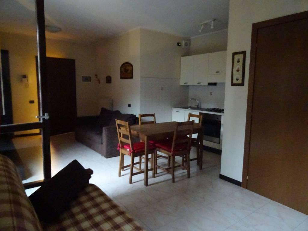 foto  2-room flat good condition, first floor, Galliate