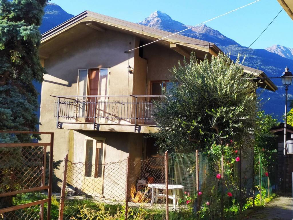 foto  3-room flat Strada Chameran Alta 49, Chatillon