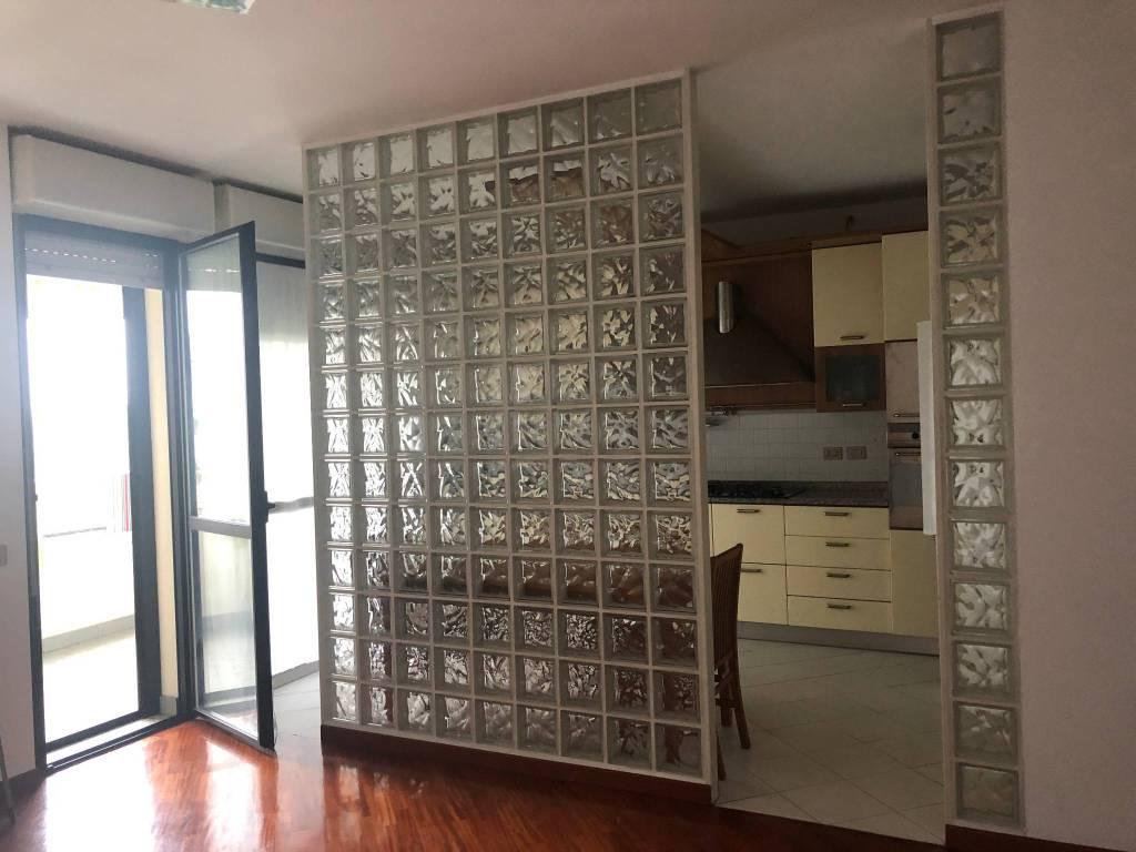 foto appartamento-limbiate Quadrilocale via Tarvisio 30, Limbiate