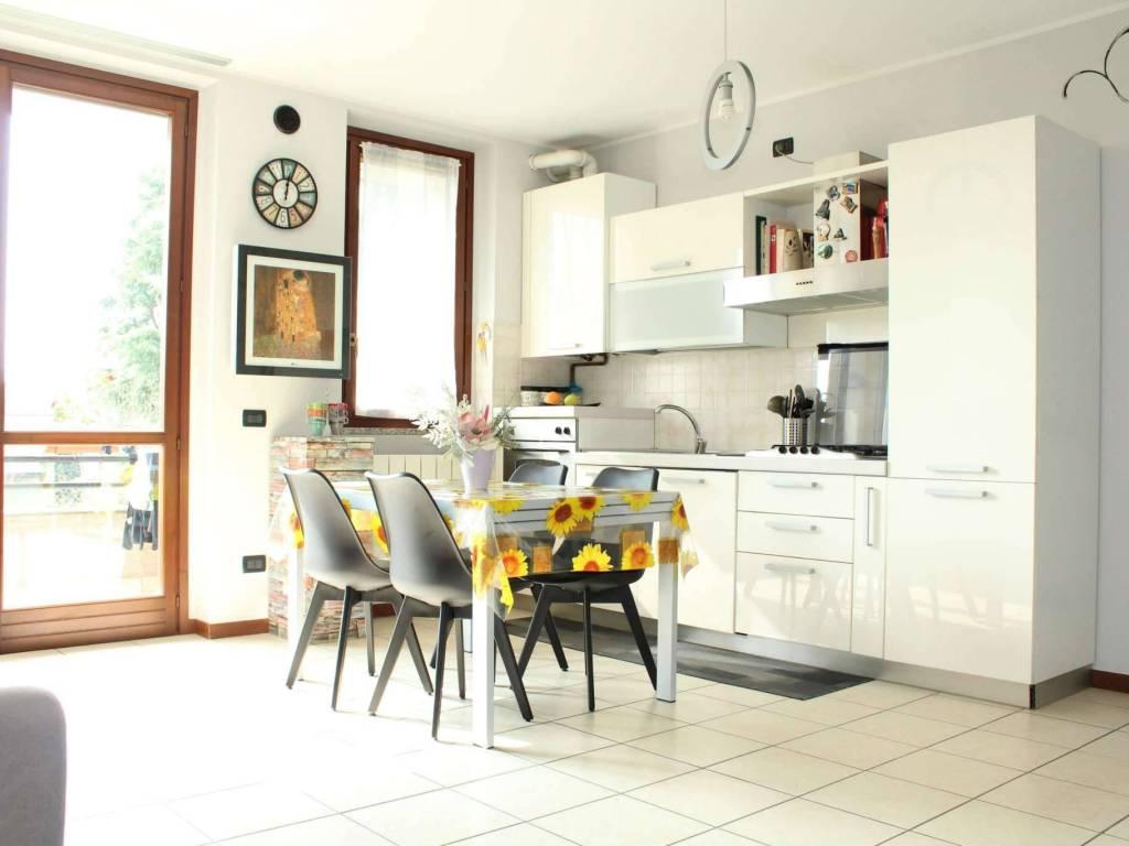 foto cucina 4-room flat via badalasco, Treviglio