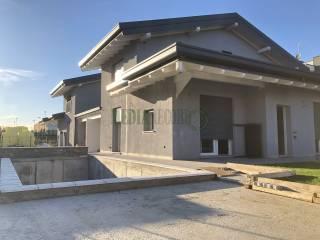 Photo - Single family villa via Salvo D'acquisto, Appiano Gentile