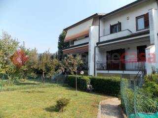 Photo - Terraced house 4 rooms, good condition, Bellinzago Lombardo