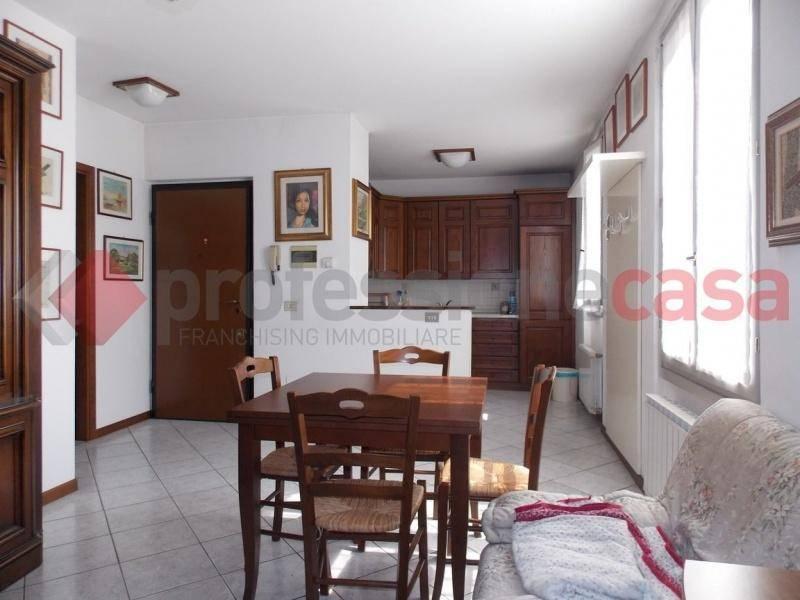 foto  2-room flat good condition, mezzanine, Bellinzago Lombardo