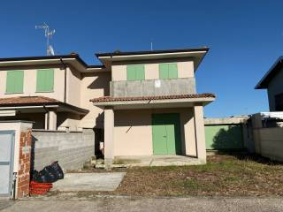 Foto - Villa bifamiliare viale Risorgimento, Madignano