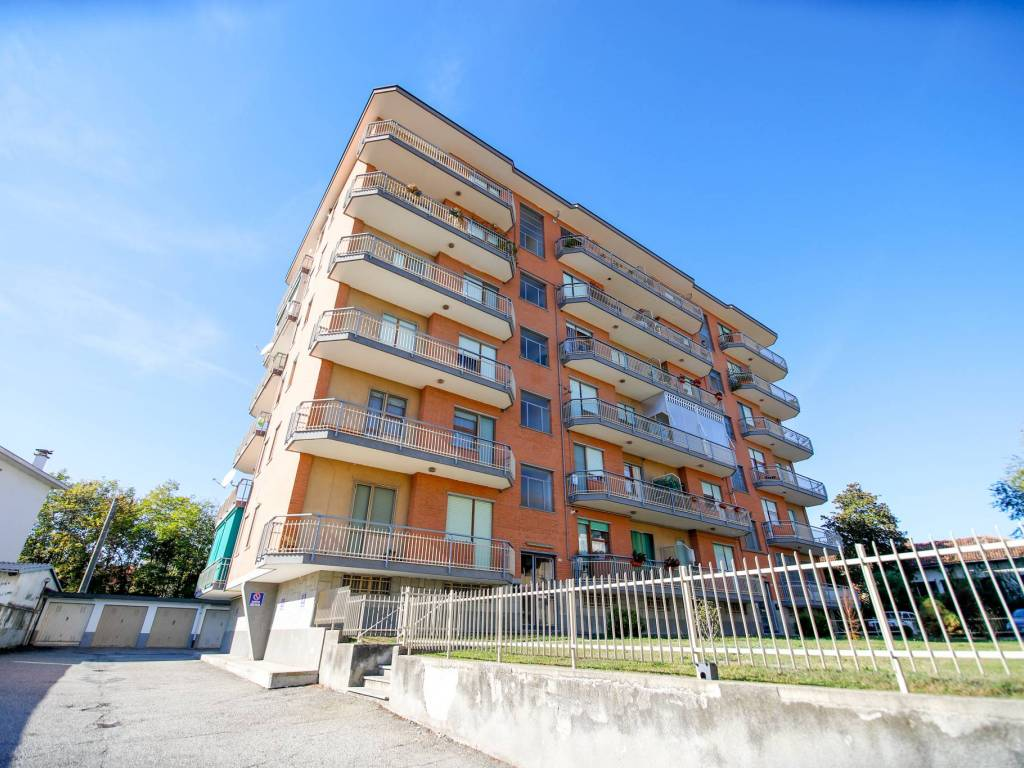 foto palazzina 3-room flat via Volpini 7, San Benigno Canavese