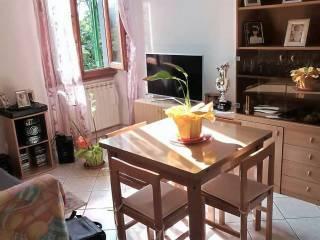 Foto - Piso de cuatro habitaciones via Antonio Garella, Mezzana, Prato