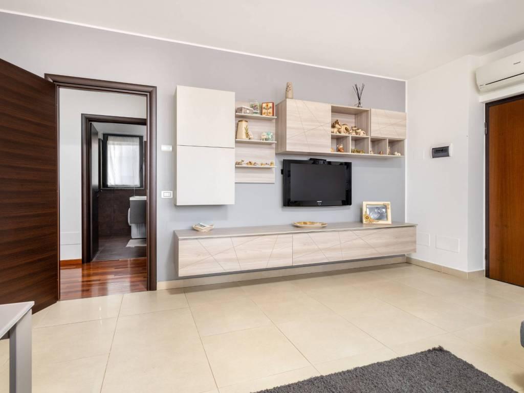 foto Soggiorno 3-room flat via Goffredo Mameli, Cisliano