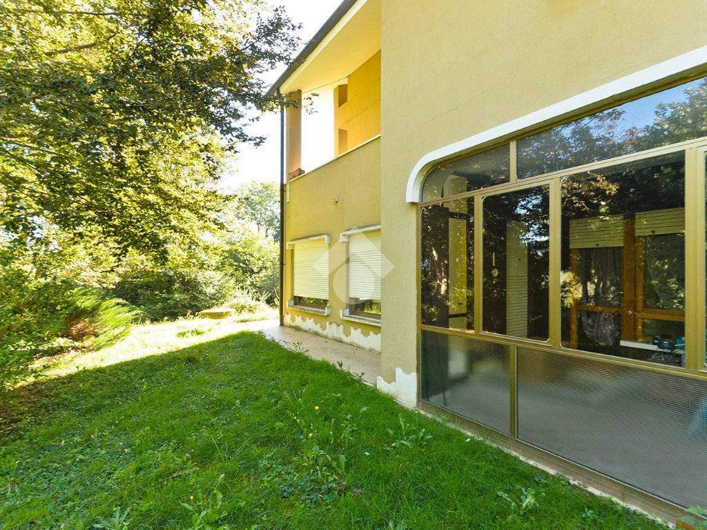 foto esterno 4-room flat corso Laghi 81, Buttigliera Alta