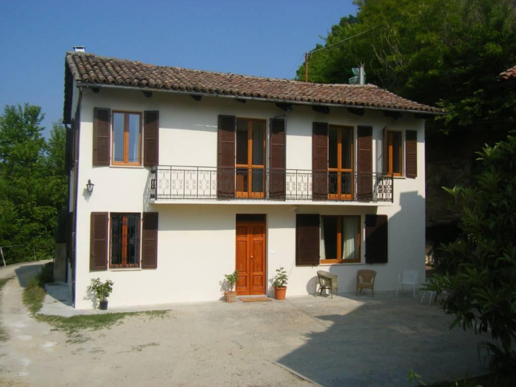 foto Facciata Casale, buono stato, 126 mq, San Damiano d'Asti