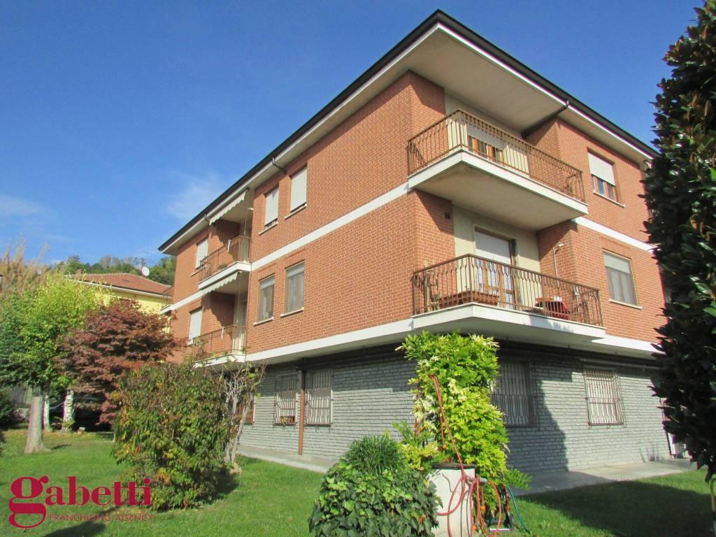 foto ESTERNI 4-room flat Strada Cinzano, Santa Vittoria d'Alba