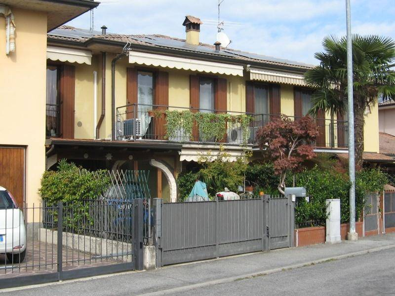 foto ESTERNO Terraced house via GOBETTI, 21, Pandino