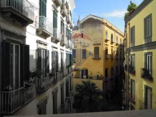 Foto - Quadrilocale buono stato, secondo piano, Chiaia, Napoli