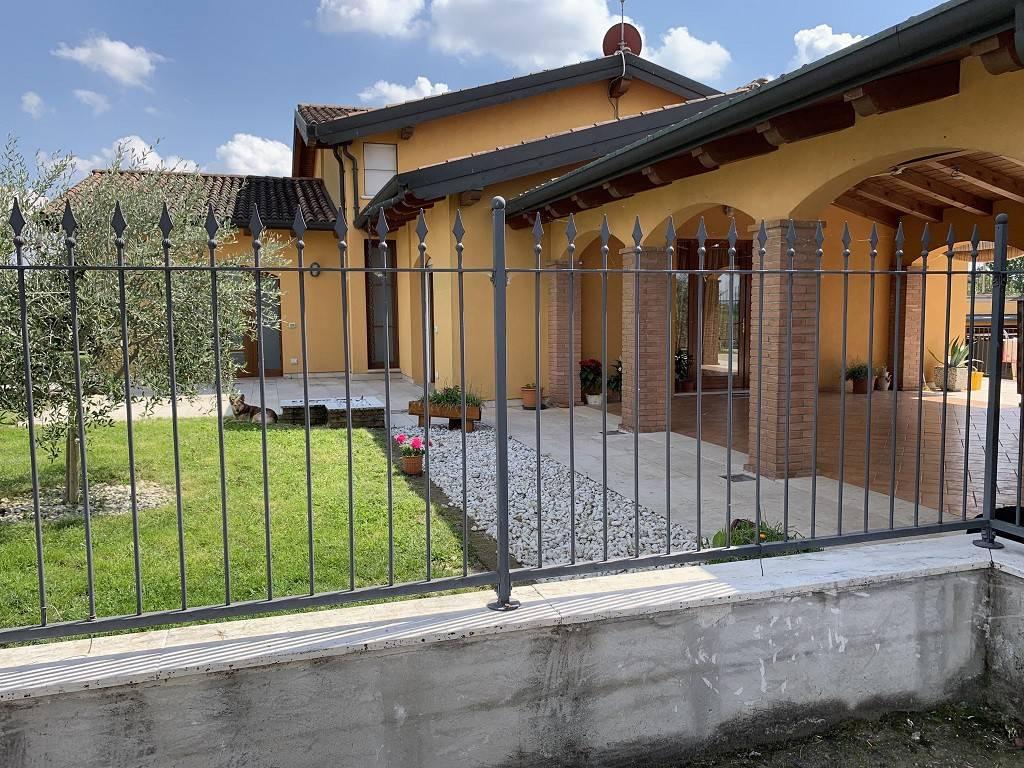 foto  Single family villa, excellent condition, 594 sq.m., Povegliano Veronese