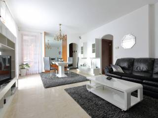 Photo - 3-room flat via Vittorio Veneto 27, Parabiago