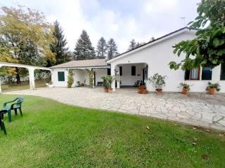 Foto - Villa unifamiliare, ottimo stato, 355 mq, Portacomaro Stazione, Asti
